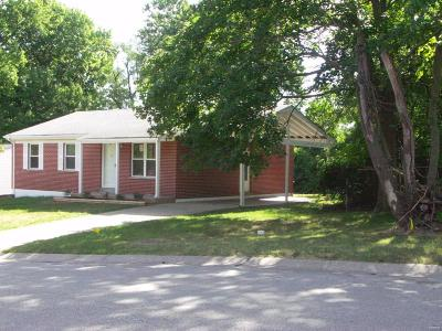 St Charles Single Family Home For Sale: 904 Gustane Drive