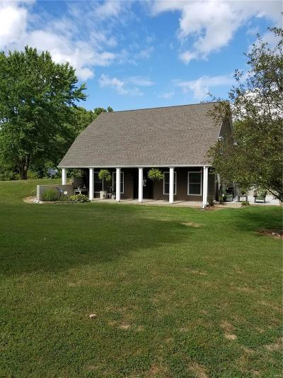 New London MO Single Family Home For Sale: $189,000
