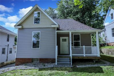 Madison County Single Family Home For Sale: 670 E Vandalia