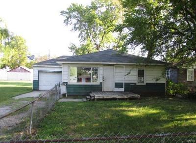 Granite City Single Family Home For Sale: 667 Barkley