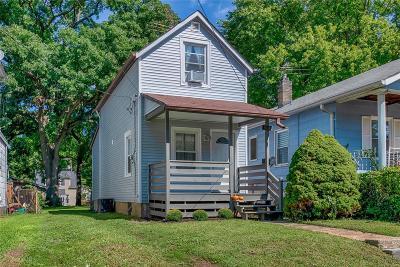 Single Family Home For Sale: 3615 Manhattan Avenue