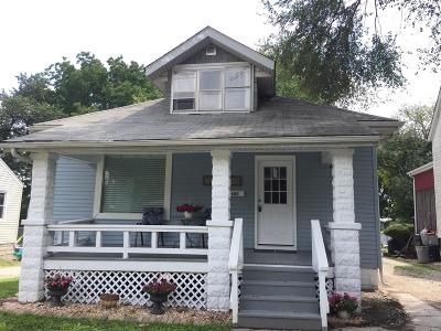 Belleville IL Single Family Home For Sale: $82,000