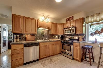 Kirkwood Condo/Townhouse Contingent No Kickout: 209 Monclay Court #1W