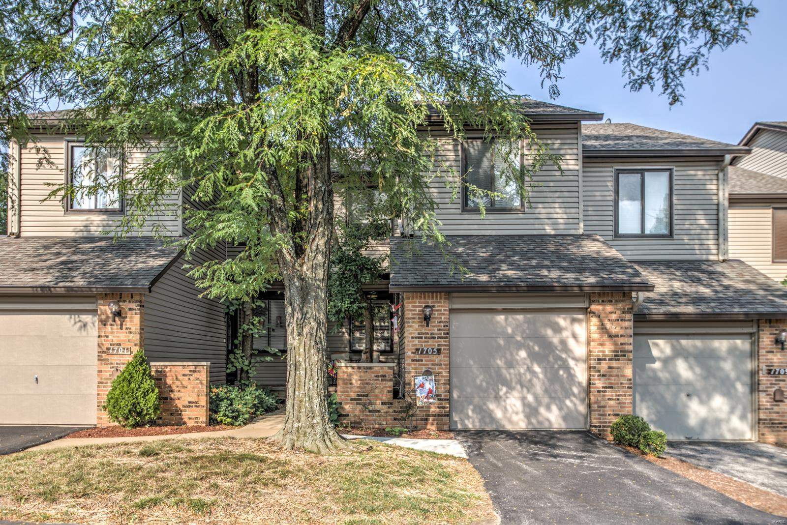 Incredible 1705 Pineberry St Louis Mo Mls 18069581 Missouri Lake Home Interior And Landscaping Palasignezvosmurscom