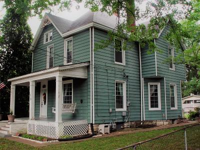 Alton Single Family Home For Sale: 1219 Pine Street