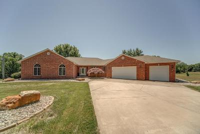 O'Fallon Single Family Home For Sale: 2103 Borchers Lane