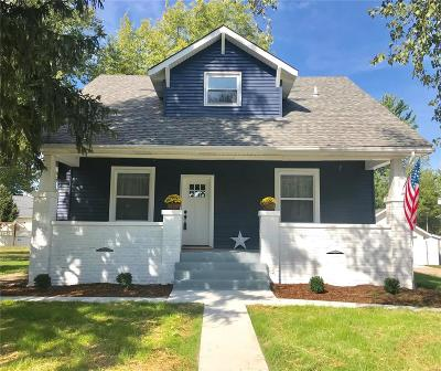 Single Family Home For Sale: 113 North Main