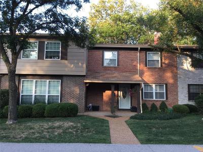 Ellisville Condo/Townhouse For Sale: 222 Carmel Woods