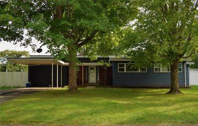 Farmington Single Family Home For Sale: 334 Aldergate Street