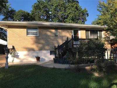 Single Family Home For Sale: 115 Laredo Avenue