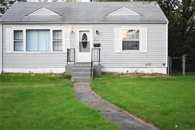 Single Family Home For Sale: 8153 Rector