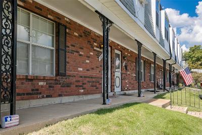 Single Family Home For Sale: 833 Dumont Pl