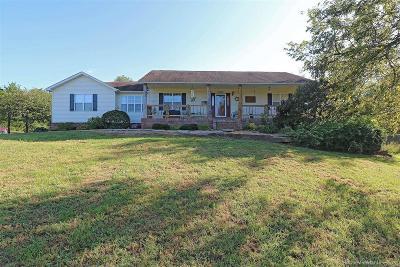 Farmington Single Family Home For Sale: 5214 Salem Fields