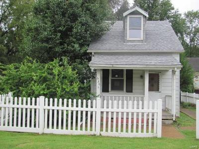 Belleville Single Family Home For Sale: 630 West Monroe Street