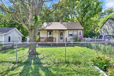 Edwardsville Single Family Home For Sale: 34 Halleck Avenue