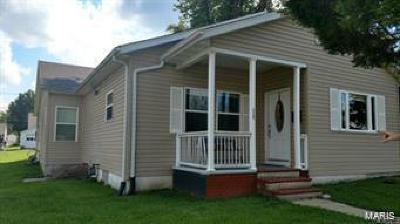 Edwardsville Single Family Home For Sale: 112 North 2nd Avenue