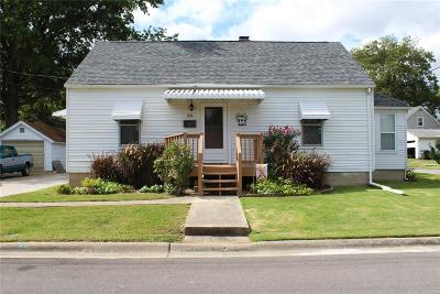Red Bud Single Family Home For Sale: 209 North Taylor Street