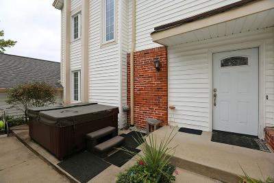 Chesterfield Condo/Townhouse For Sale: 14944 Broadmont Drive