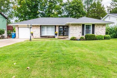 Maryland Heights Single Family Home Active Under Contract: 12471 Roth Hill Drive