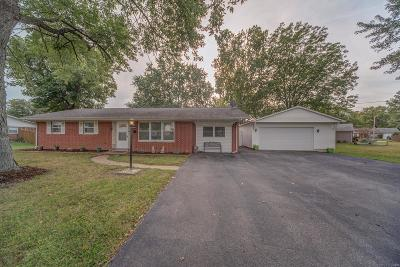 Swansea IL Single Family Home Option: $152,900