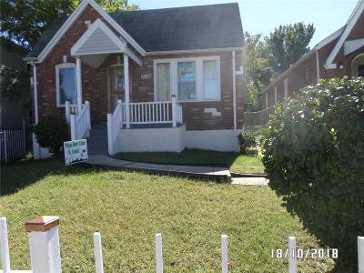 St Louis Single Family Home For Sale: 2218 Farrar Street