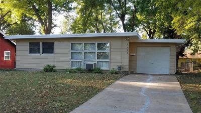 St Louis Single Family Home For Sale: 8418 Rosalind