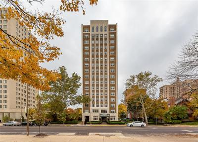 St Louis Condo/Townhouse For Sale: 4440 Lindell Boulevard #1103
