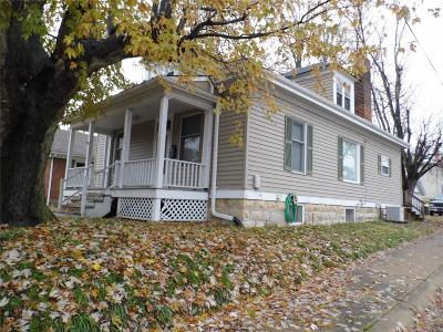 Washington Single Family Home For Sale: 830 West Second Street
