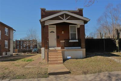 Single Family Home For Sale: 5209 South Broadway