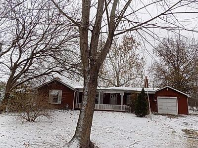 Godfrey IL Single Family Home For Sale: $39,900