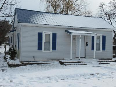 Canton MO Single Family Home For Sale: $46,400