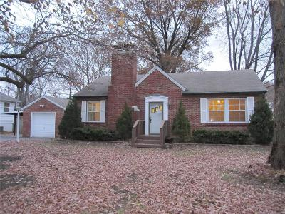Belleville Single Family Home For Sale: 2925 South Belt West