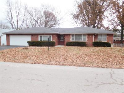 Troy IL Single Family Home For Sale: $190,000
