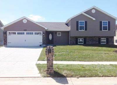 Wentzville Single Family Home Contingent No Kickout: Huntleigh Ridge