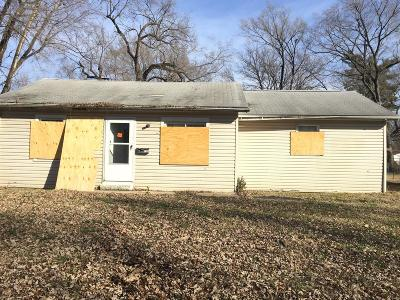 Cahokia IL Single Family Home For Sale: $14,000