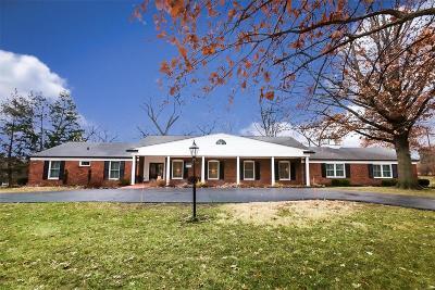 Ladue Single Family Home For Sale: 9886 Waterbury Drive