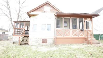 Jefferson County Single Family Home For Sale: 225 S 5th St.