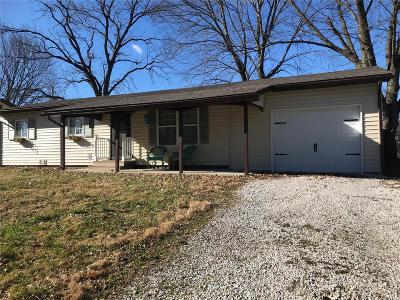 O'Fallon IL Single Family Home For Sale: $119,900
