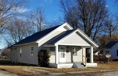 Monroe City MO Single Family Home For Sale: $82,000