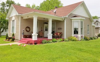 Monroe City Single Family Home For Sale: 202 Court Street