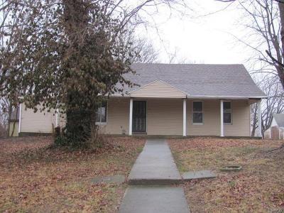 Edwardsville Single Family Home For Sale: 4962 Indian Hills Drive