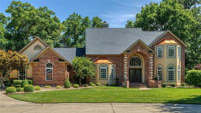 ST CHARLES Single Family Home For Sale: 516 Woodmere Crossing