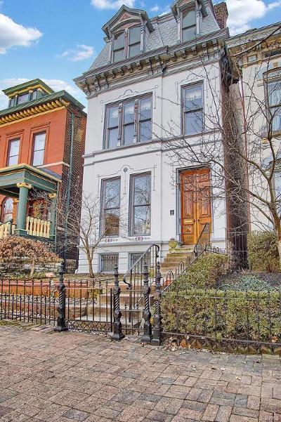Lafayette Square Single Family Home For Sale: 1818 Lasalle
