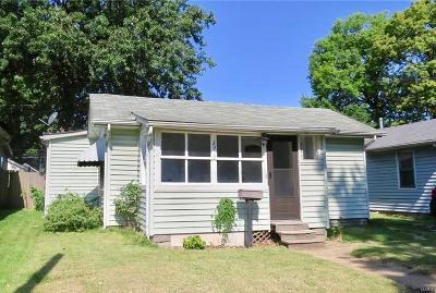 Granite City Single Family Home For Sale: 2939 Marshall Avenue