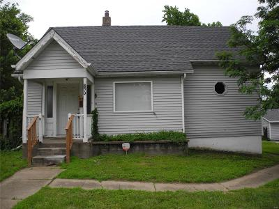 Single Family Home For Sale: 830 North Florissant