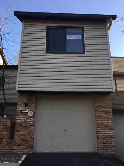 St Louis County Condo/Townhouse For Sale: 11608 Misty Moss Drive