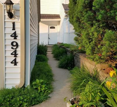 St Louis County Condo/Townhouse For Sale: 14944 Broadmont Drive