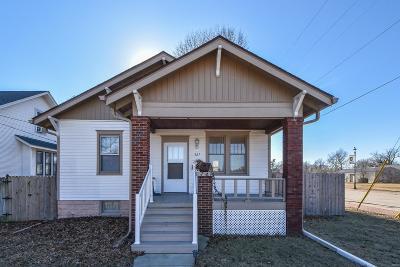 Belleville Single Family Home For Sale: 527 Benton Street