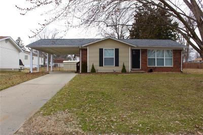 Troy IL Single Family Home Active Under Contract: $115,000