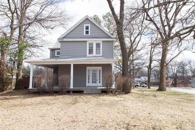 St Louis Single Family Home For Sale: 2330 Ashby